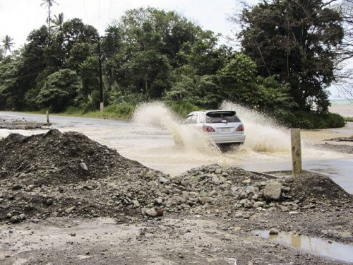 Milne Bay bitumen road ford (NXPowerLite)
